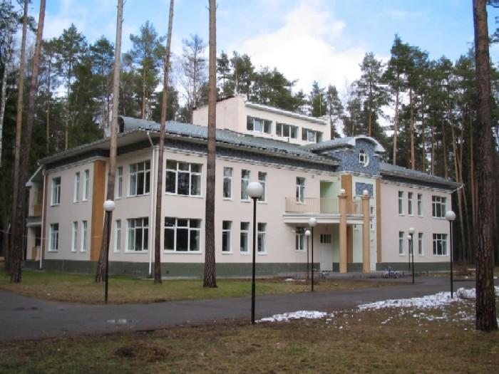 <FONT face=Verdana,Geneva,Arial,Helvetica,Sans-Serif size=4><STRONG>Moscow 3 School Building</STRONG></FONT>